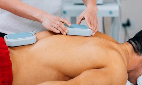 magnetoterapia - esecuzione della terapia tramite macchinario